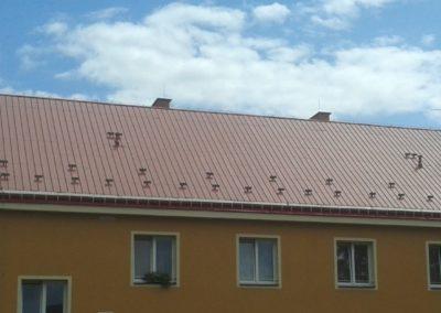 Sedlová střecha na bytovém domě Český Dub